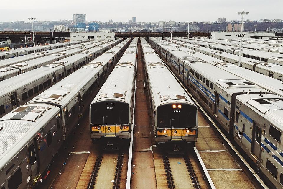 Alle Züge sind schon da - welchen nehmen Sie?